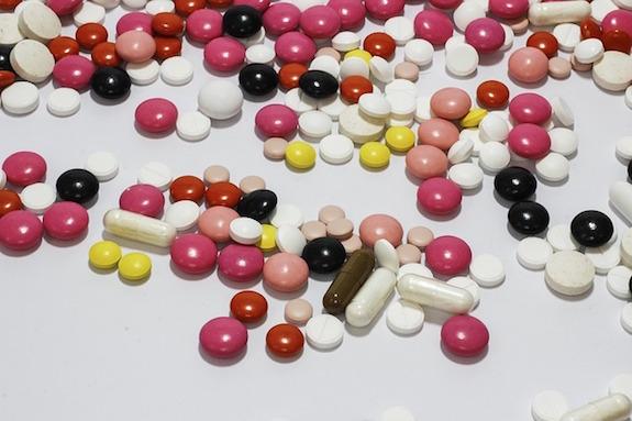 薬 市販薬 帯状疱疹 帯状疱疹が背中にできました。市販の薬で効くものありますか?帯状疱疹?ヘルペス