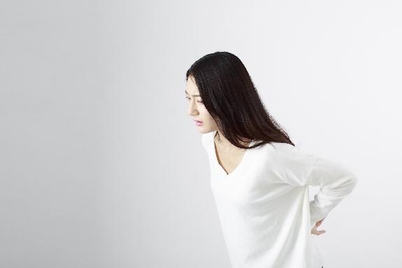 腰痛で困る女性