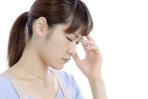 偏頭痛が治らないときに考えられる原因と対処法