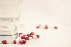 ベンザ鼻炎薬αの価格と副作用