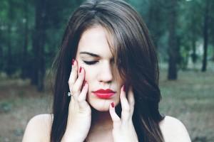 唇が痛い原因と治し方