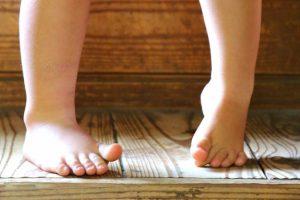 足の爪が痛い時の原因と対処法
