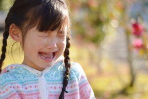 子供の耳垂れは何かの病気?どう対処すればいいの?