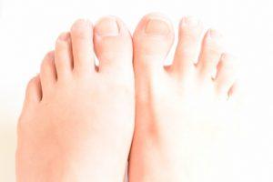 足の指が痛いときの原因として考えられる病気一覧