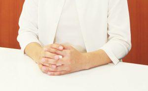 指の関節が変形する原因と対処法