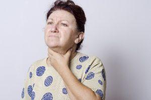 咳で喉がイガイガする原因と対処法